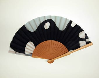 Hand fan Handpainted Silk-black-grey-white. Abanico. Wedding gift. Giveaways. Bridesmaids. Spanish hand fan. 17 x 9 inches (43 cm x 23 cm)