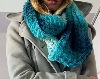 Hand knitted ombre blue white infinity chunky scarf