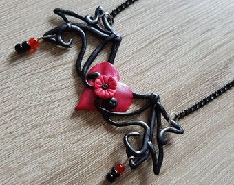 Heart flower wings necklace