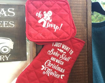 Holiday oven mitt sets, Christmas pot holders, Christmas gifts, teacher gifts, Personalized gifts, kitchen accessories