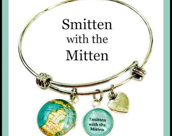 Smitten With the Mitten Charm Bracelet