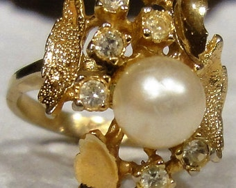 Vintage 18kt Gold Electro Plated/ Faux Pearl Ring