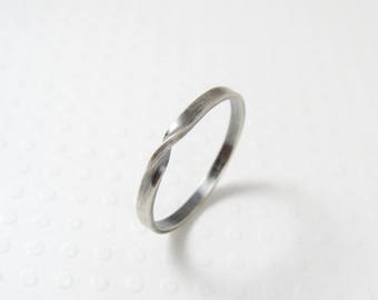 Sterling Silver Mobius Ring, Silver Stacking Ring, Thumb Ring, Thin Silver Infinity Ring, Sterling Silver Twist Ring, Womens Ring