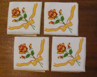 Vintage 70's Goldenrod and Red Roses Luncheon Napkins - 4 pieces - NOS - 70's Tea Napkins - Dining Napkins - 70's Serviettes - Party Napkins