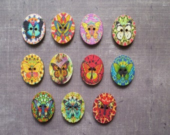12 animals Butterfly multicolor oval shaped wood buttons