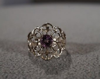 Vintage Sterling Silver Band Ring Round Amethyst Fancy Filigree Etched Scrolled Victorian Style, Size 7