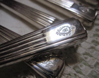 BEAUTIFUL// Hilton// Hotelware// 6 Silver Plated Knives// BED And BREAKFAST// Wonderful Vintage Condition!