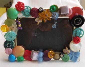 Embellished vintage buttons picture frame