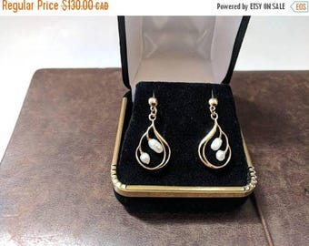 ON SALE Vintage Gold and Pearl Earrings