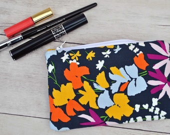 Cosmetic Bag / Toiletry Bag / Makeup Bag / Travel Bag / Gift for Mom / Gift for Wife / Zipper Bag / Zipper Pouch / Makeup Organizer / Gift