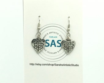 Love and Luck Dangle Earrings, Gift for  Mom, Dangle Earrings, Hearts Earrings, Mother's Day Gift, Girlfriend Gift