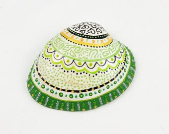Green hand painted seashell - Beach art