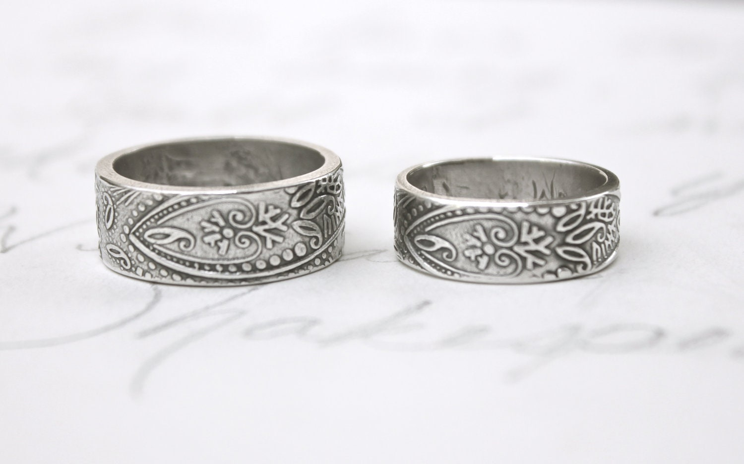 Bohemian Paisley Wedding Band Ring Set . Wide Thick Engraved