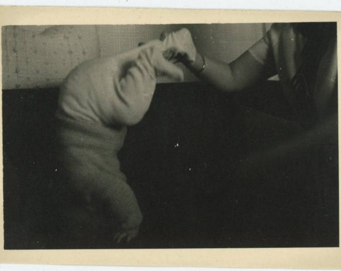 Baby Acrobat: Vintage Snapshot Photo (712626)