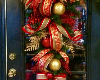 Elegant Red and Gold Xmas Swag