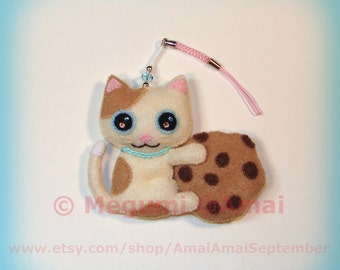 Hand-stitched Felt Cat & Chocolate Chip Cookie Charm Ornament Strap keychain plush food kitty milk tea shop time pet cute bag pull gift