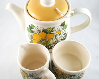Buttercups and Daisy Sadler TeaPot with Cream and open Sugar Set