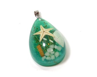 Acrylic Sea Shell Pendant or Charm, Turquoise with Tiny Sea Shell Shell Scene, 36mm x 22mm