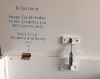 Personalised toy box underlid message