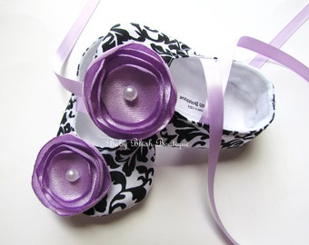 Damask Baby Shoes Black & White Soft Ballerina Slippers Baby Booties with Lavender Flower and Ribbon Ties