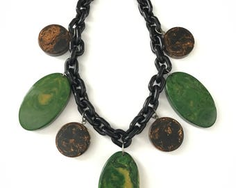 Vintage Marbled Spinach Mudpie Chunky Bakelite and Plastic Necklace