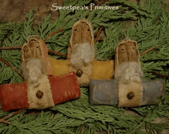 Primitive Christmas Folk Art Santa Doll Ornies PDF E-Pattern Sweetpeas Primitives