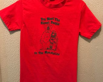 Vintage red colorado mountain t-shirt