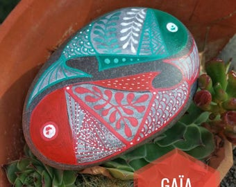 Stone hand - painted green and orange fish entwined / Hand painted pebble - Two entwined Green and orange fish