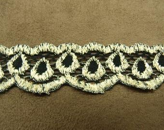 LACE in Ribbon-2, 5 cm-Stretch - beige & Black