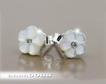 2016 Mother's Day Release S925 Sterling Silver Luminous Flora,Mother of Pearl Stud Earrings EH033