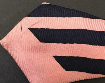 Vintage 1940s Swing bowtie : Navy with pink