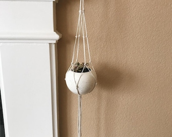 Macrame Plant Hanging/Wall Hanging/Home Decor
