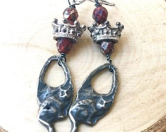 Adorable Cat Earrings \ Rustic Boho Jewelry \ Long Dangle Earrings \ Kitty Kitten Earrings \Animal Jewelry \Elegant Cat Earrings