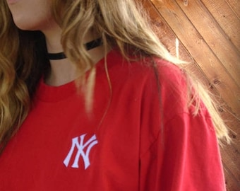 EXTRA 20% OFF SALE.... Red Yankees Cotton s/s Tee Shirt - Vintage 90s - M/L