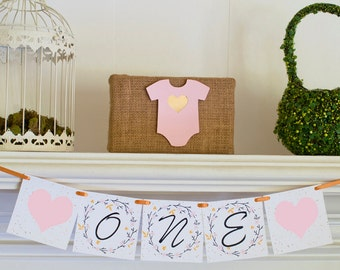 Floral One Banner,  Flowers I Am One Banner, Floral Highchair Banner, Floral 1st Birthday Party, Floral Banner, P031