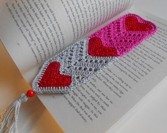 Crochet heart bookmark, cotton bookmark, Crochet page marker, Heart page marker, Valentine's Day Gift for book lover, Book accessory