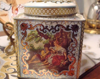 Vintage Daher Courting Scene Decorative Tin - Great Vintage Condition!!
