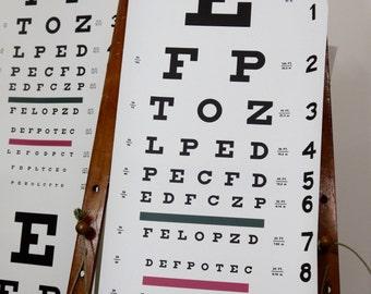 Eye test wallaper. Black on white