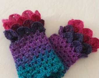 Dragon scale fingerless gloves, fits 3.5-5.5 year old
