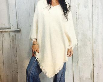 Vintage Handwoven Poncho// 1970s Cotton Poncho // Handmade Poncho//Hippie Gypsy Poncho
