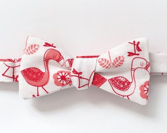 Kissing Flamingos / Valentines Love / Freestyle Bow Tie / adjustable 15 - 19 inches
