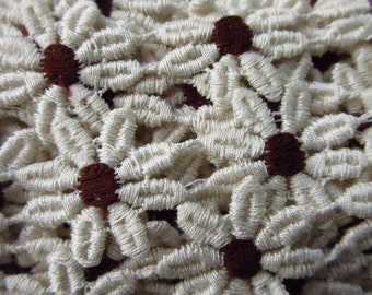 4-1/2 Yards Ivory Daisy Brown Center Venise Lace Edging Trim Sewing  V-5