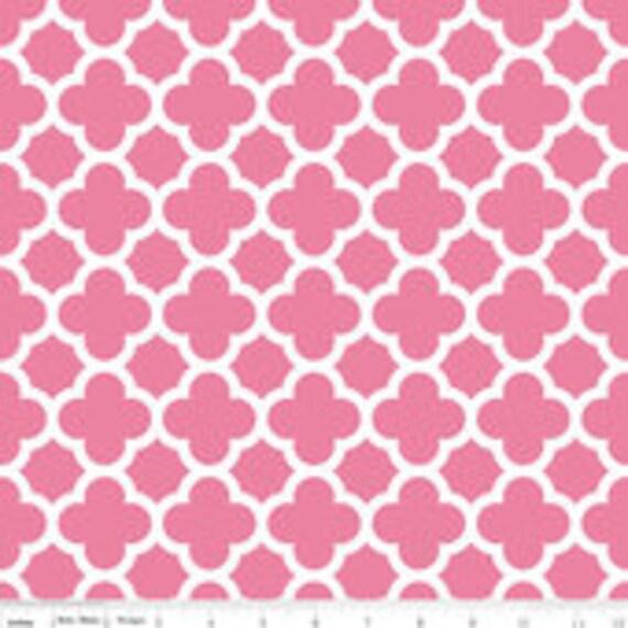 Quatrefoil Basics Riley Blake C435-70 Hot Pink BTY