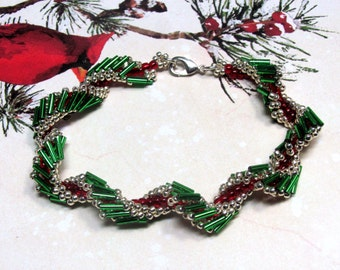 Christmas Bugle Bead Bracelet, Christmas Bracelet, Holiday Bracelet, Red and Green Bracelet, Christmas Jewelry, Beaded Bracelet, Beadwoven