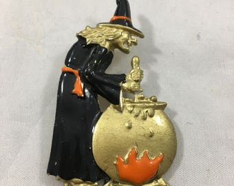 Vintage Halloween Witch Stirring Cauldron Gold Tone Pin