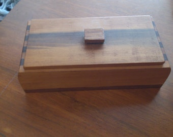 Multi Wood What Knot Box with handled Lid