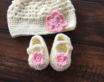Baby girl hat with Mary Jane shoes