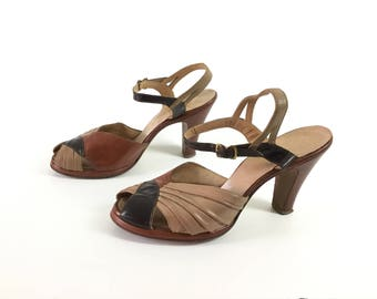 Brown 1940s shoes 40s shoes pumps heels vintage womens size 6 65 tan taupe beige forties leather ankle strap peep toe sandals open toe