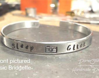 Camera Cuff Bracelet, Photography Gift Ideas, Photographer Wedding Gift, Photographer Gift for Wedding, Photographer Thank You Gift