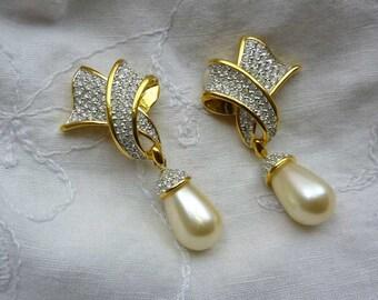 Signed Swarovski Clip On Dangle Earrings #9043.69